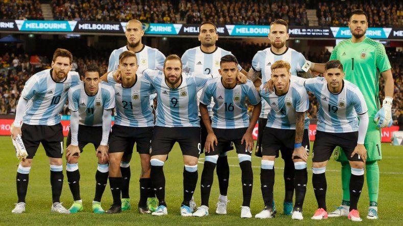 ¿En quiénes piensa Sampaoli para jugar contra Uruguay?