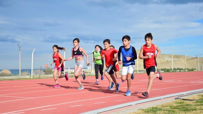 Los atletas compitieron en combos conformados por una prueba de pista