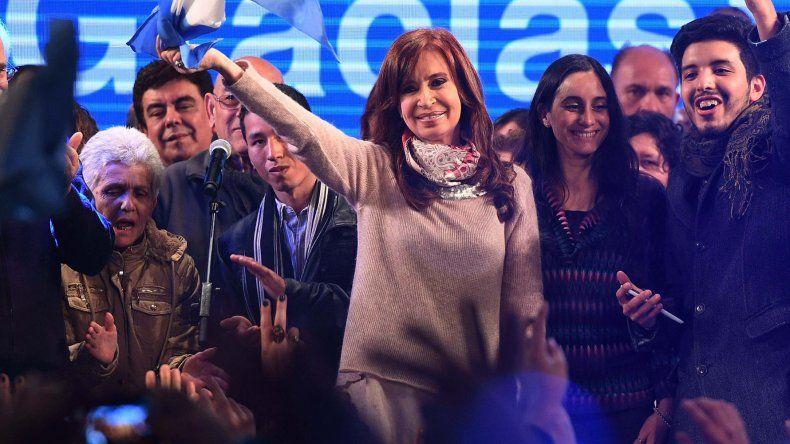 Mañana Cristina Fernández relanza su campaña en el Club Atenas de La Plata.