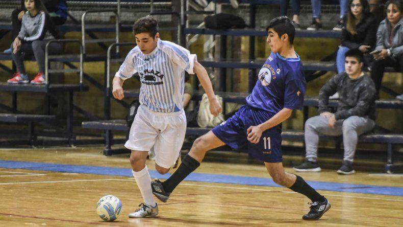 El torneo Clausura de la Asociación Promocional de fútbol de salón disputó una nueva fecha en el gimnasio municipal 2 del barrio Pueyrredón.