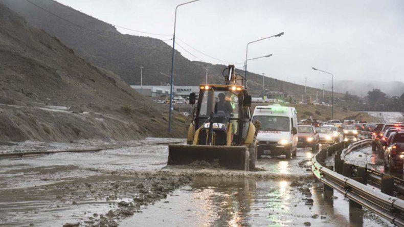 Los maquinistas trabajaron a destajo en las horas posteriores al temporal.