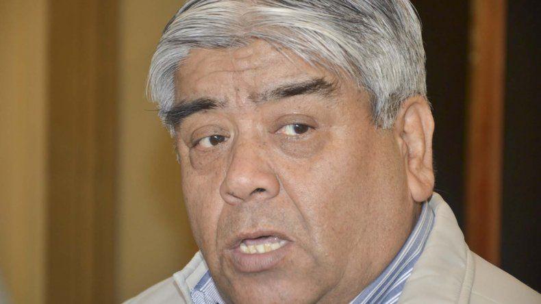 Carlos Gómez cargó contra el municipio por no entregar las bolsas de donaciones.