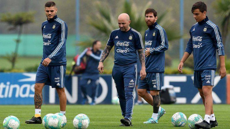 Argentina inicia la era Sampaoli con la necesidad de ganar en Uruguay