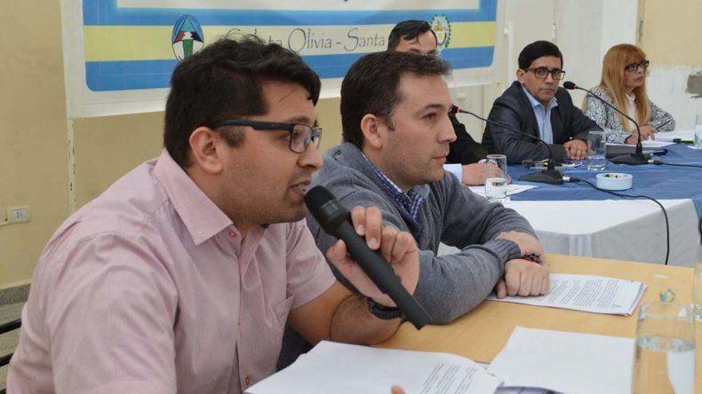 Mauro Zacarías y Marcos Antonelli respondieron a una batería de consultas sobre las ventas de terrenos en la sesión del Concejo Deliberante.