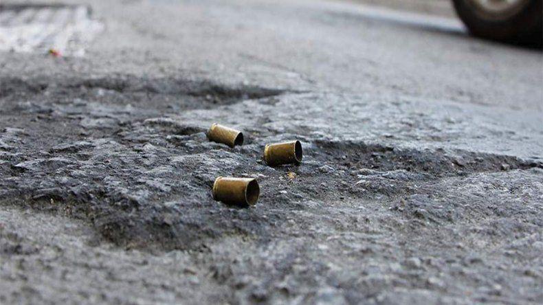 Pelea, tiros y amenazas en el barrio San Cayetano