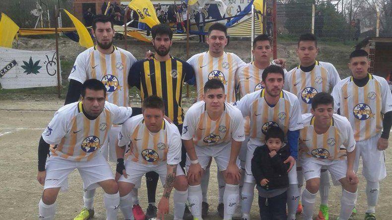 El equipo actual de Primera división de Oeste Juniors en su cancha