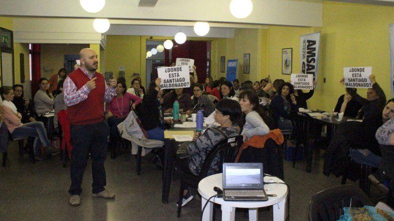 La CTERA impulsa una campaña a nivel nacional para tratar en las aulas el caso de la desaparición de Santiago Maldonado.