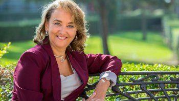 Adela Muñoz Páez, docente de Química en la Universidad de Sevilla es la autora del libro.