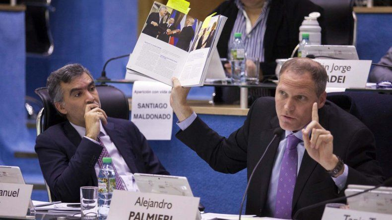 El intenso debate que se registró ayer en la Legislatura de Río Negro.