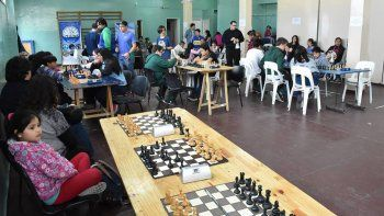 En el gimnasio municipal 1 se disputó la instancia local de los Interescolares de ajedrez.