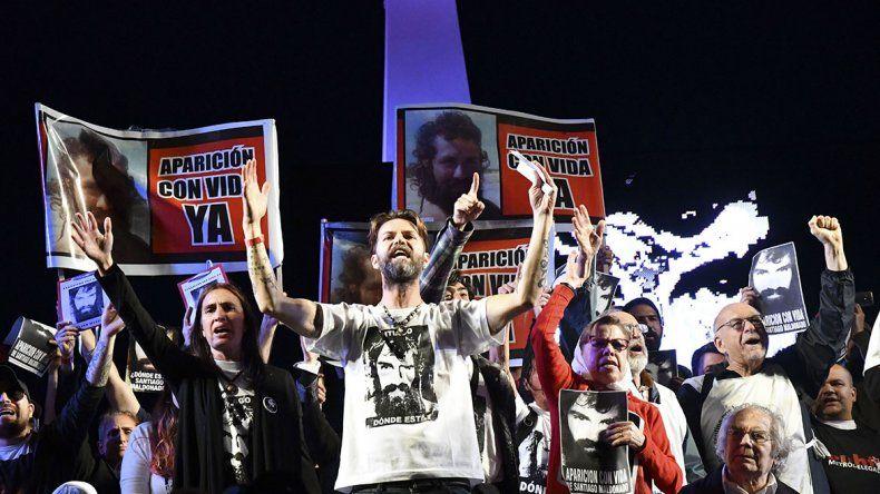 La familia de Santiago encabezó el acto realizado en Plaza de Mayo.