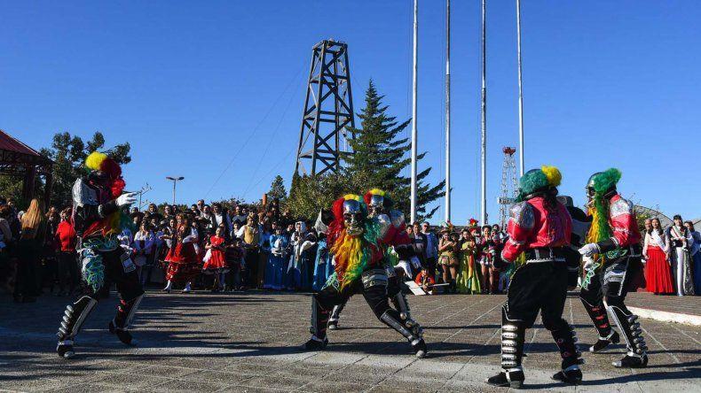 Los espectáculos que formaron parte del desfile que se realizó el año pasado en el barrio Mosconi.