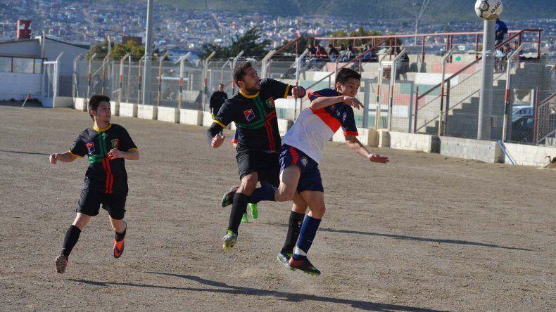 Deportivo Portugués y Unión San Martín Azcuénaga no pudieron quebrar el cero ayer en terreno lusitano.