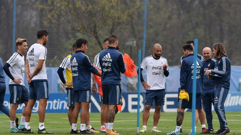 La selección argentina trabajó ayer en Ezeiza de cara al partido del martes ante Venezuela.