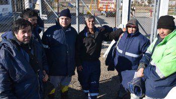 Estibadores sin trabajo  en el puerto Caleta Paula