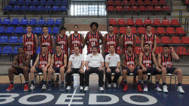 El plantel y cuerpo técnico de San Lorenzo que viajará en las próximas horas al Viejo Continente.