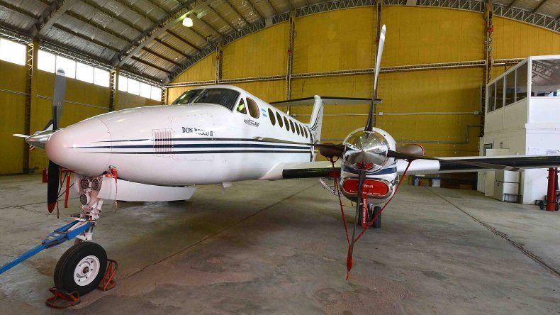 Una de las aeronaves afectadas a los vuelos sanitarios es un Beech Super King Air 350