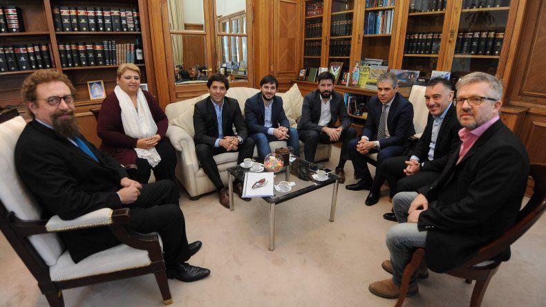 Luenzo se reunió con autoridades santacruceñas por los reembolsos