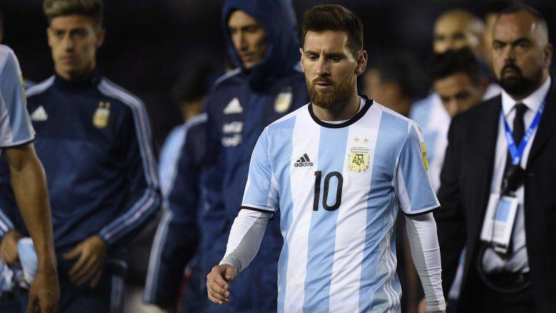 El gesto de Messi con un chico en silla de ruedas que lo esperó luego del partido