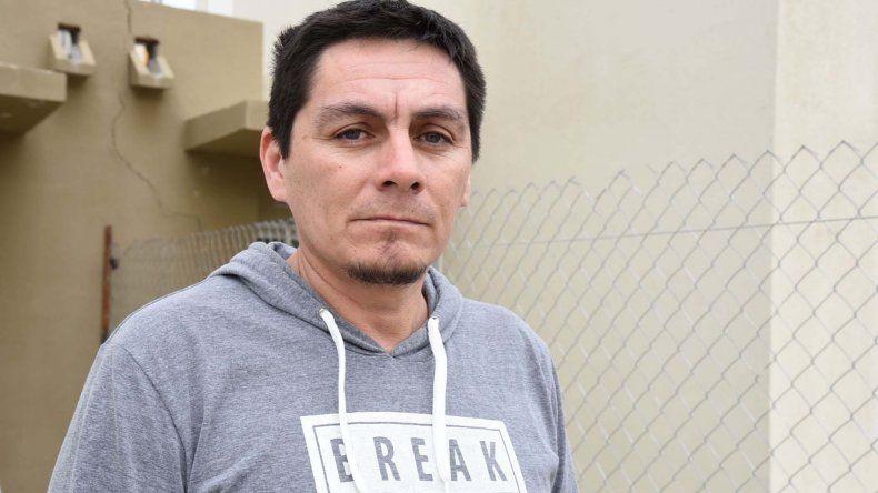 Cristian Sosa pidió una reglamentación que le permita a su hija continuar un tratamiento con aceite de cannabis para controlar las convulsiones que le genera el trastorno neuronal progresiva.