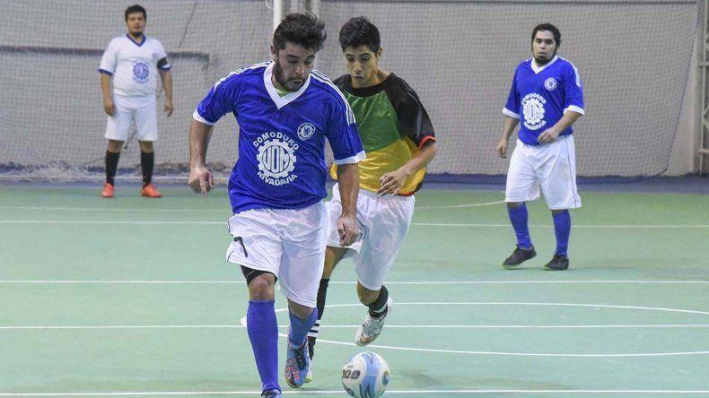 El fútbol de salón disputará esta tarde una nueva fecha del torneo Clausura en las canchas de cemento del Huergo.