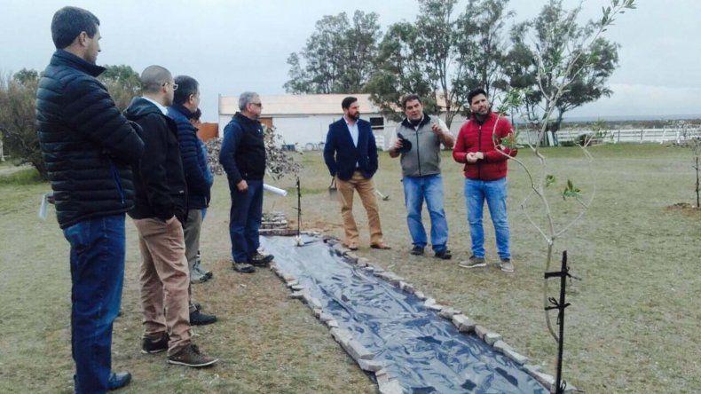 Funcionarios provinciales recorrieron lugares de la meseta en los que se apuesta a la producción.