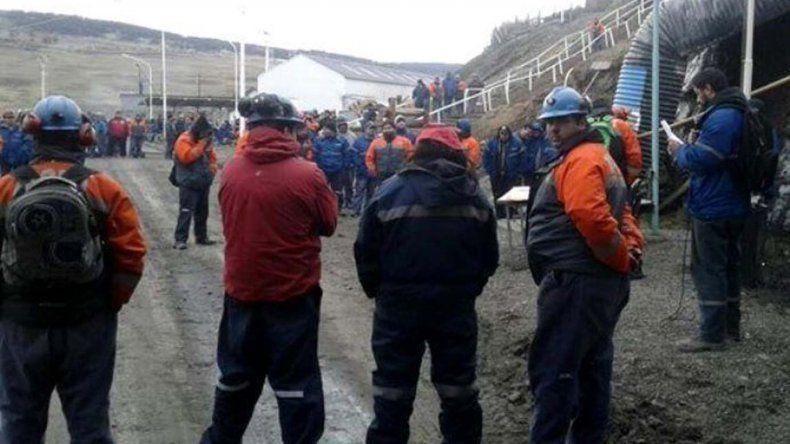 Los trabajadores de YCTR afiliados a ATE continúan bloqueando el acceso a la Mina 5 en Río Turbio.