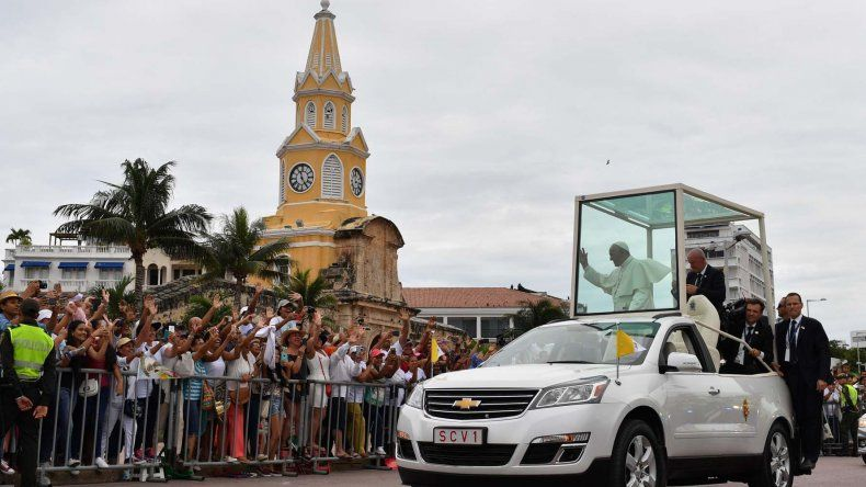 Francisco cerró ayer en Cartagena de Indias sus cinco días de visita a Colombia.