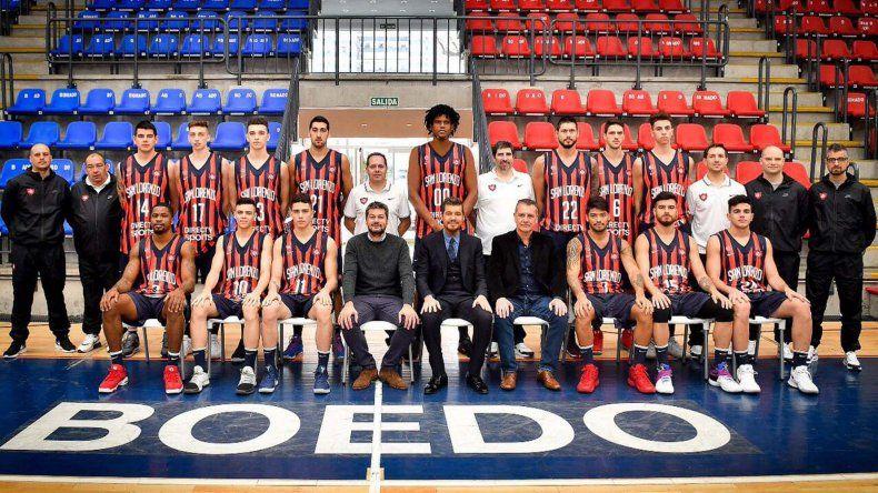 El plantel de San Lorenzo que fue presentado días atrás a la prensa antes de partir al Viejo Continente.