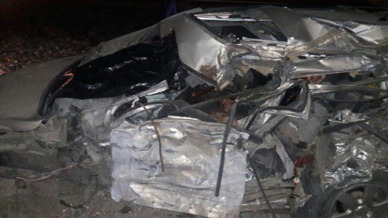Dos muertos y tres heridos graves tras choque frontal en Garayalde