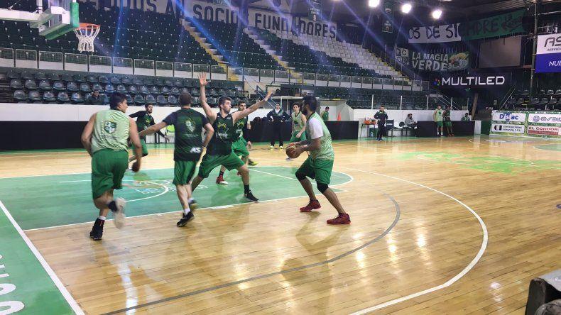 Gimnasia continúa con su preparación de cara a la nueva temporada de la Liga Nacional de Básquetbol.