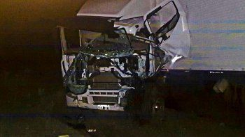 El camionero habría provocado el choque frontal que protagonizó con la camioneta donde viajaban el exrector Arturo Canelo y su familia.