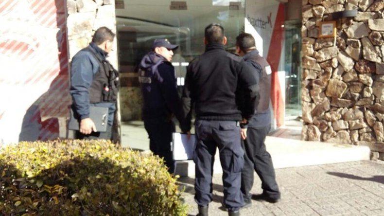 Un egresado cayó de un quinto piso de un hotel