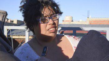 Luego de perder su casa durante el temporal, María Alejandra Vidal ayer sufrió el incendio de la habitación que le prestaron.