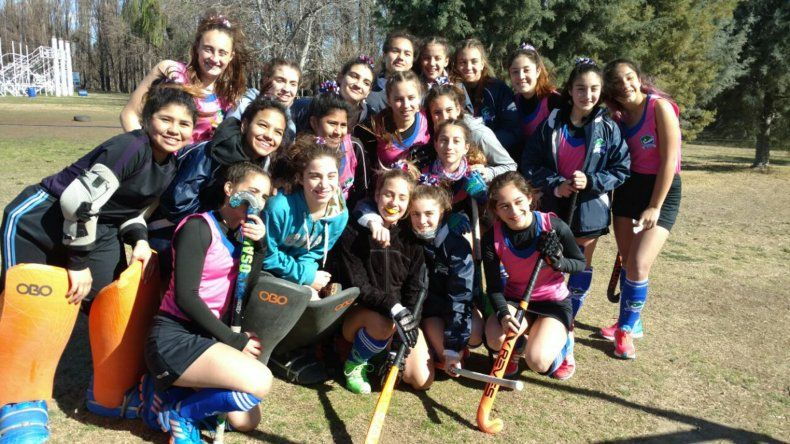 Las chicas de la selección Sub 14 de Austral que llegaron invictas a las semifinales del Torneo Regional.