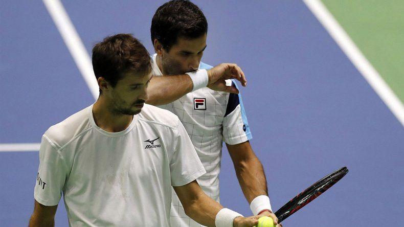 Argentina no pudo en el partido de dobles y está muy cerca de descender en la Copa Davis.