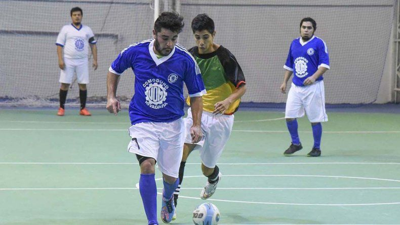 El torneo Clausura de fútbol de salón mayor continuará esta tarde con toda su programación en el parquet del Complejo Huergo.