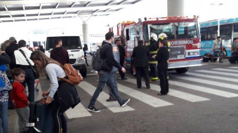 Evacuaron el aeropuerto de Ezeiza por una falsa alarma de bomba