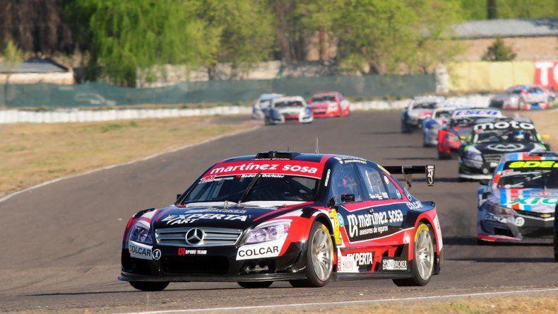 Agustín Canapino tuvo un fin de semana perfecto en la Top Race V6 al imponerse ayer en las dos finales corridas en General Roca.