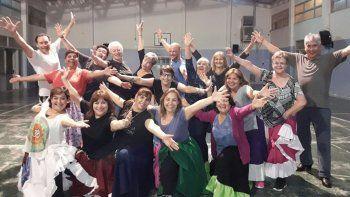 El ballet de adultos de El Camaruco viajó a San Luis para participar del certamen Argentina en Merlo.