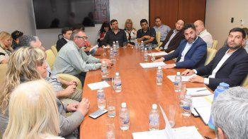 Funcionarios de Producción contestaron las dudas de los diputados acerca de lo que se hace para impedir que crezca la mano de obra desocupada en Chubut.