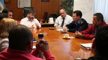 En la casa central de Banco Chubut, ayer representantes del Consejo de Bienestar Policial se reunieron con autoridades de la entidad.