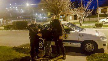 Héctor Fretes se entregó ayer a las 19:30 en la comisaría de Los Antiguos. Estuvo prófugo diez días.