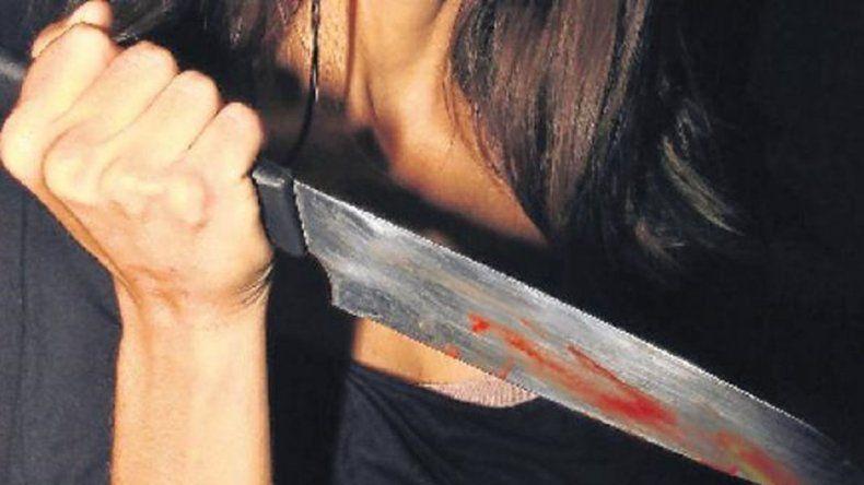 La mujer que apuñaló a su pareja y al amigo de  este declaró que fue una pelea del momento