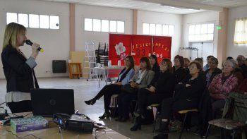 En el Centro de Jubilados Capital Nacional del Petróleo se realizó una charla sobre Alzheimer.