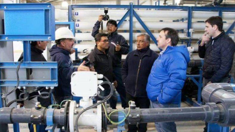 El gerente distrital de SPSE hizo una nueva visita a la planta de ósmosis inversa en construcción donde recabó informes para desmentir dichos de funcionarios nacionales.