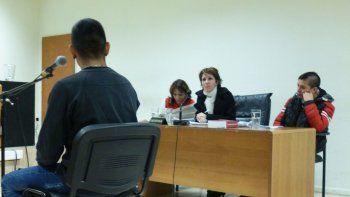 En el quinto día del juicio, un peluquero negó ser proveedor de armas y además denunció amenazas policiales.