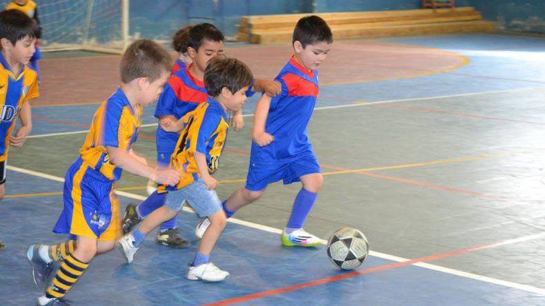Los pequeños empiezan a jugar hoy una nueva edición del torneo de fútbol infantil Petrolito.