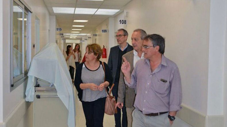 El ministro de Salud dijo que se trabaja para dar más soluciones a quienes demandan de atención urgente en el Hospital Alvear.
