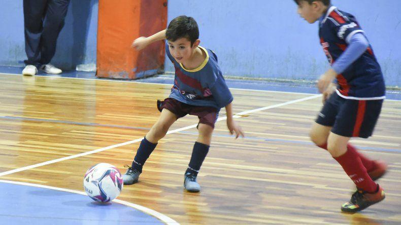 Los chicos disputarán hoy una nueva jornada del torneo de fútbol de salón que organiza la CAI.